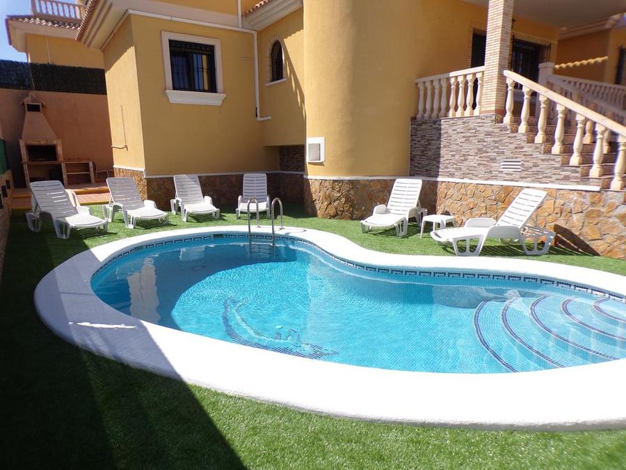 STVJ002: Detached Villa for rent in Villamartin