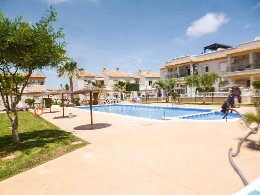 STCJ015: Town house for rent in Villamartin