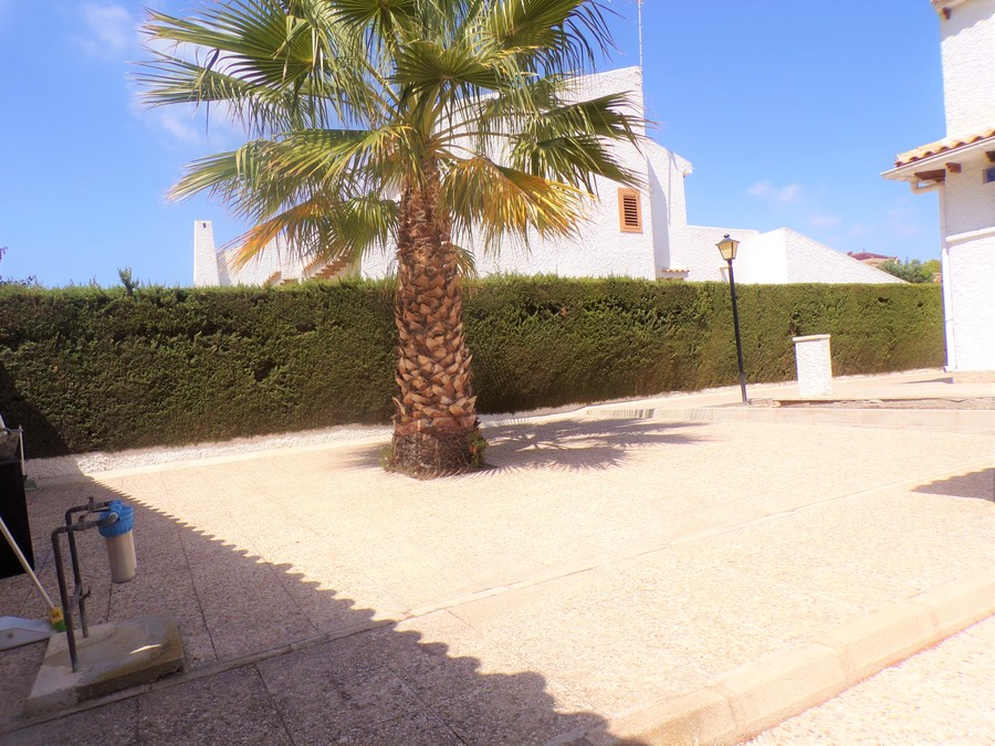 SUN410: Villa for sale in La Zenia