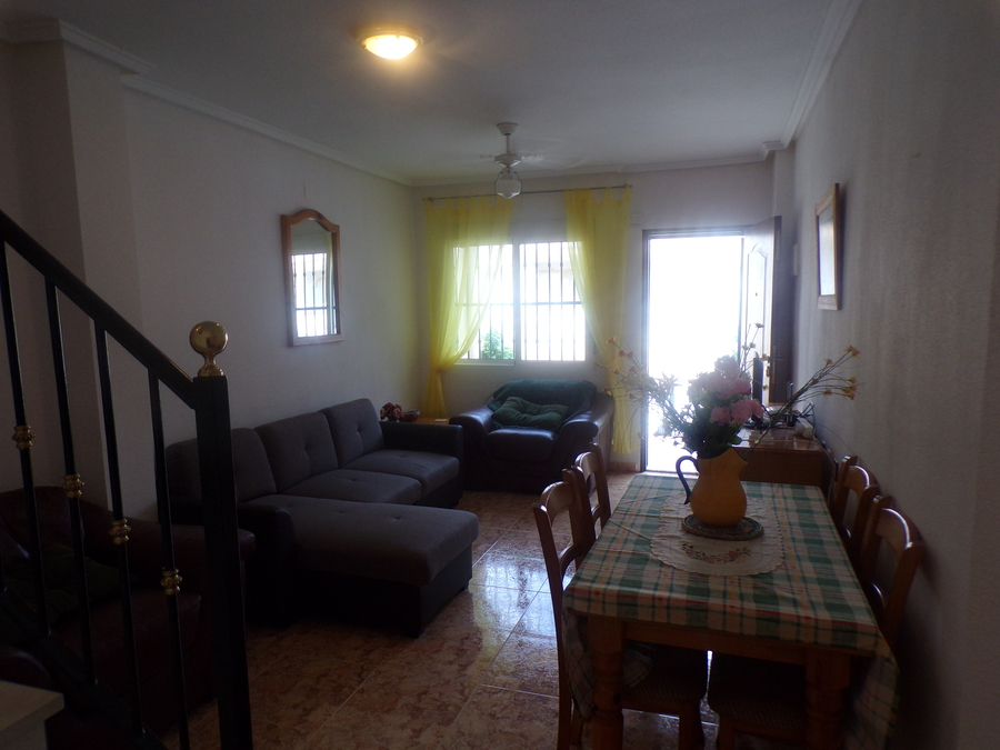 LTCJ005: Townhouse for rent in Villamartin ,Las Filipinas