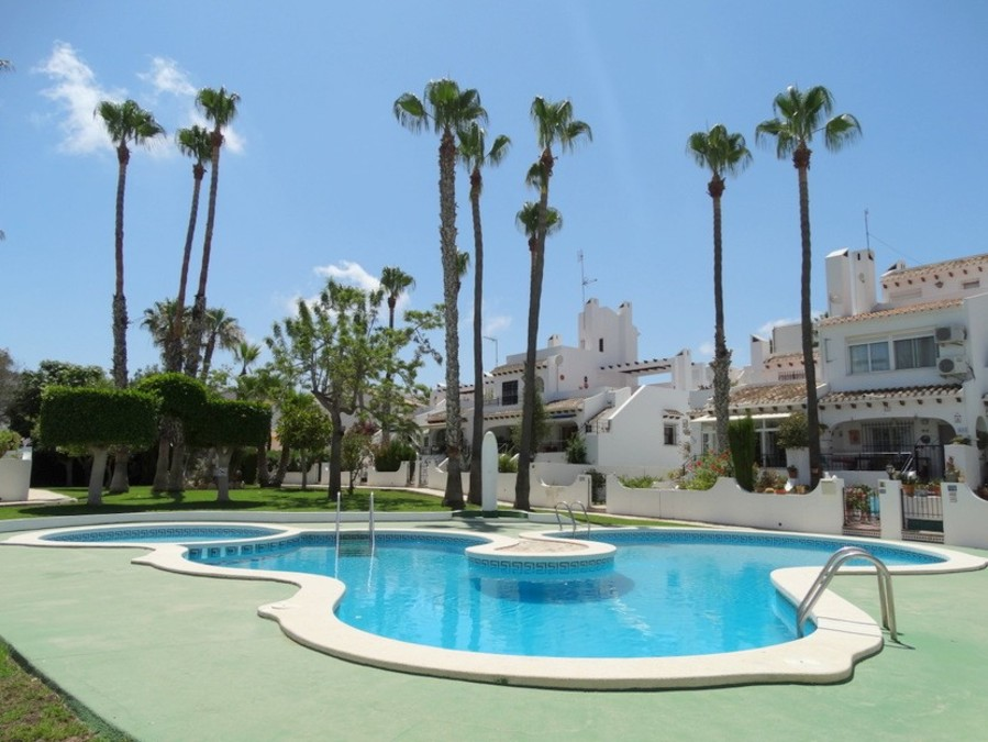 Ref:SN-91108 Bungalow For Sale in Villamartin