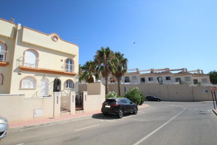 Ref:SN-28313 Townhouse For Sale in Villamartin