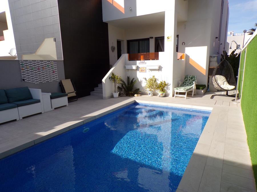 Ref:SN-72807 Apartment For Sale in Los Altos