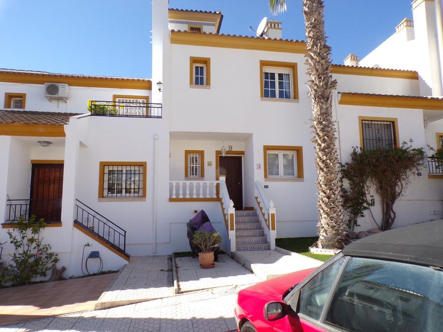 SUN503: Townhouse for rent in Villamartin
